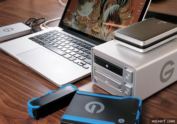 梅問題-「G-Technology G-Dock Ev Thunderbolt 2TB」支援Thunderbolt2.0與USB3.0雙界面外接陣列式儲存盒