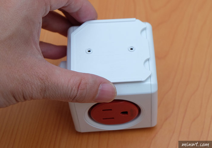 梅問題-《PowerCube》來自紅點設計大獎3孔5插座魔術方塊延長線
