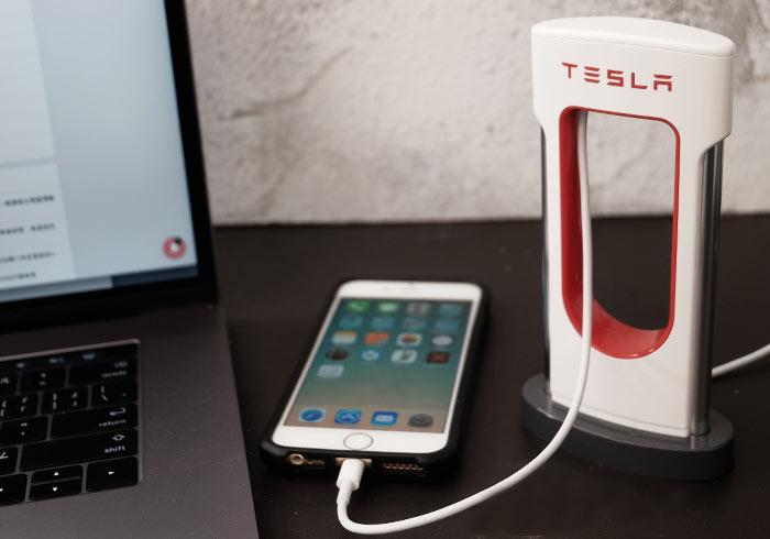 梅問題-特斯拉Tesla推出平民桌上型手機專用Supercharger超級充電站