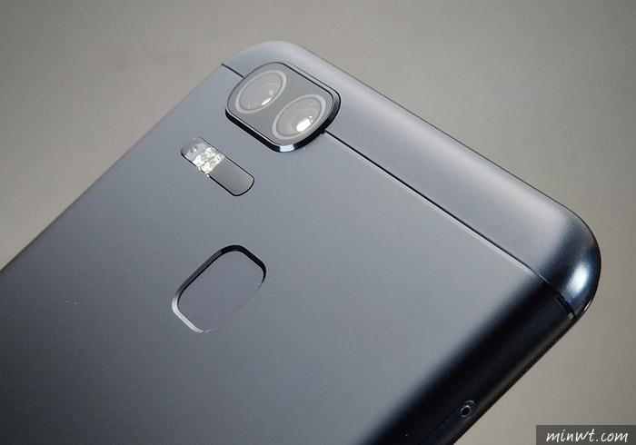 梅問題-ZenFone3 Zoom防手震雙鏡頭,開箱、寫真都好拍