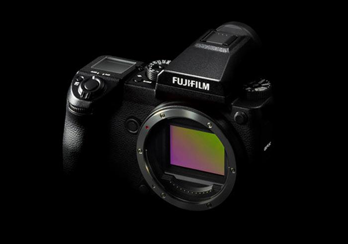 Fujifilm GFX50s 無反中片幅輕巧到手,支援觸控與可翻轉螢幕