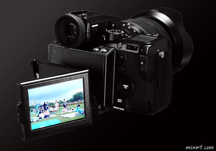 梅問題-Fujifilm GFX50s 無反中片幅輕巧到手,支援觸控與可翻轉螢幕