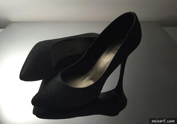 梅問題-「手機商品攝影-5」多燈拍出時尚高級感的高跟鞋
