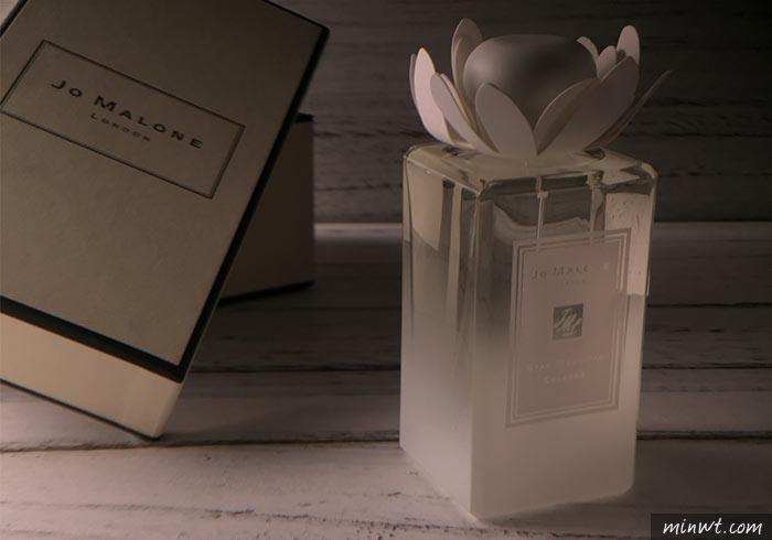 梅問題-「手機商品攝影-18」用單燈拍出有氛圍的香水情境照