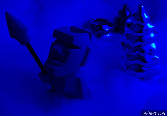 梅問題-「手機商品攝影-12」濾色片拍出聖誕氣氛的電鍍聖誕樹造型的蠟燭