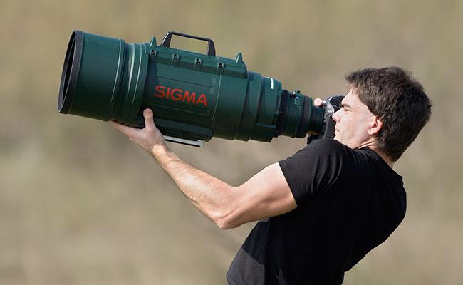 梅問題-器材分享-攝影師手持Sigma200-500mm氣勢滿分