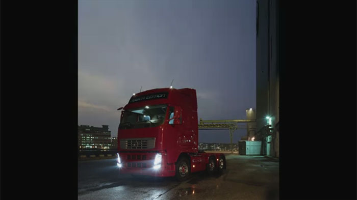 梅問題-商品攝影-利用單燈就能拍出Volvo卡車頭