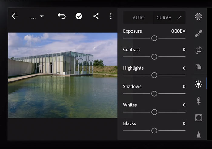 梅問題-蔡司ZEISS ZX1全片幅隨身機!搭載35mm f/2、內建Lightroom與512GB內存空間