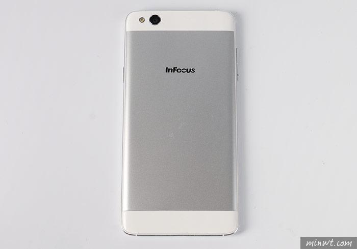梅問題-InFocus M680超薄輕盈金屬機身與4G 雙卡雙待平民手機