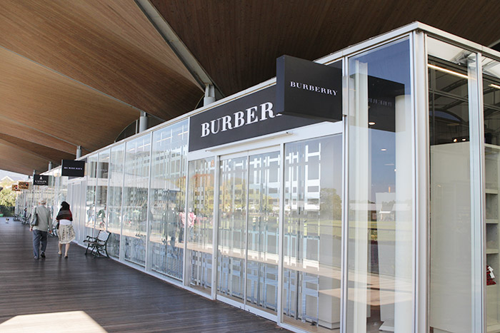buberry outlet  burberry