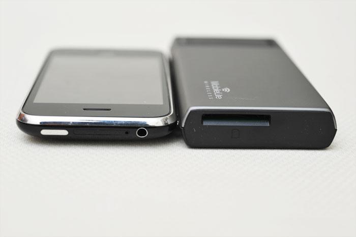 梅問題-週邊配件-金士頓MLW221無線讀卡機分享器也可當行動電源使用(記憶卡/USB碟/2.5吋隨身碟)