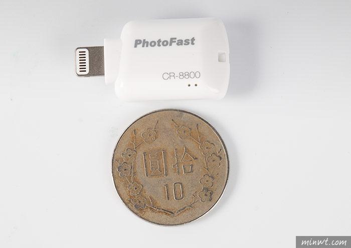 梅問題-PhotoFast推出蘋果專用的讀卡機,解決容量不足的問題