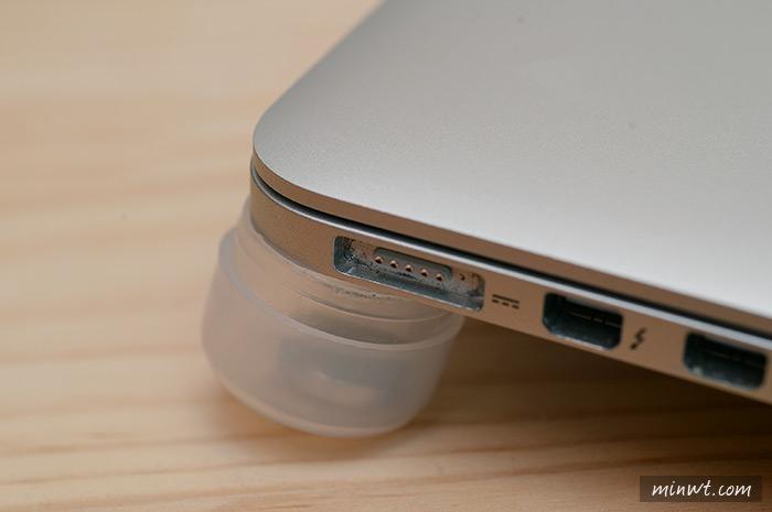 梅問題-80元自製筆電專用的散熱腳墊