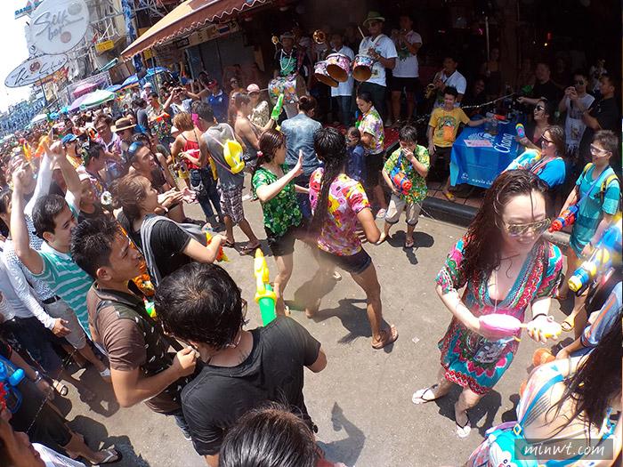 梅問題-《泰國曼谷自助》泰國潑水節要帶什麼相機