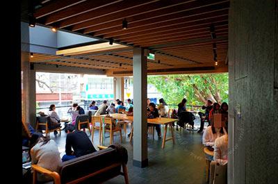梅問題-全台第一花園露天咖啡座,星巴克Starbucks 天母天玉門市