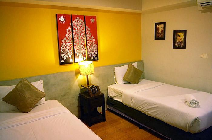 『泰國清邁自助景點』清邁古城慢活好住處德拉哈曼喀旅館 de Rachamanka - 傳說中的挨踢部門