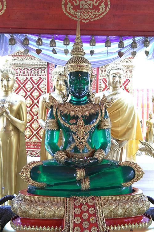 『泰國清邁自助景點』金碧輝煌佛祖舍利塔素貼寺(雙龍寺)-- 傳說中的挨踢部門