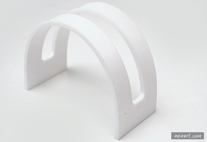 梅問題-《LTC ARK Standing Dock》平民版Macbook Pro Retina支架