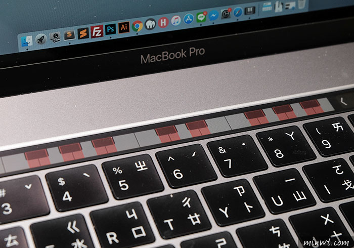梅問題-[祕技] Touch Bar Piano讓Macbook Touch Bar 變電子琴