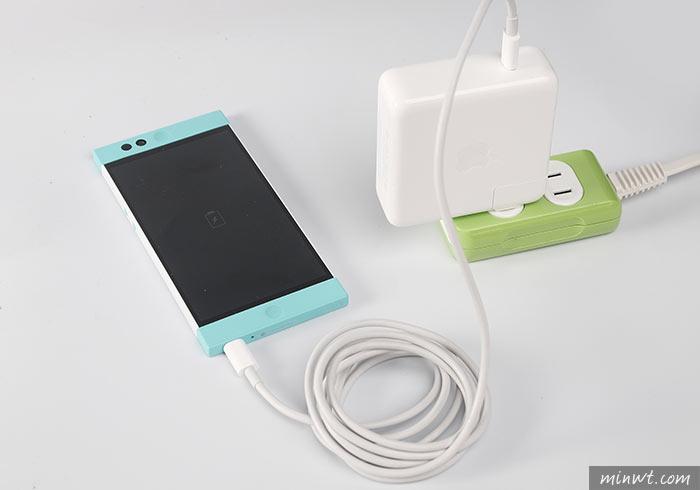 梅問題-新版Macbook豆腐插,一顆解決所有周邊配件,手機、平板、筆電、相機充電一顆搞定